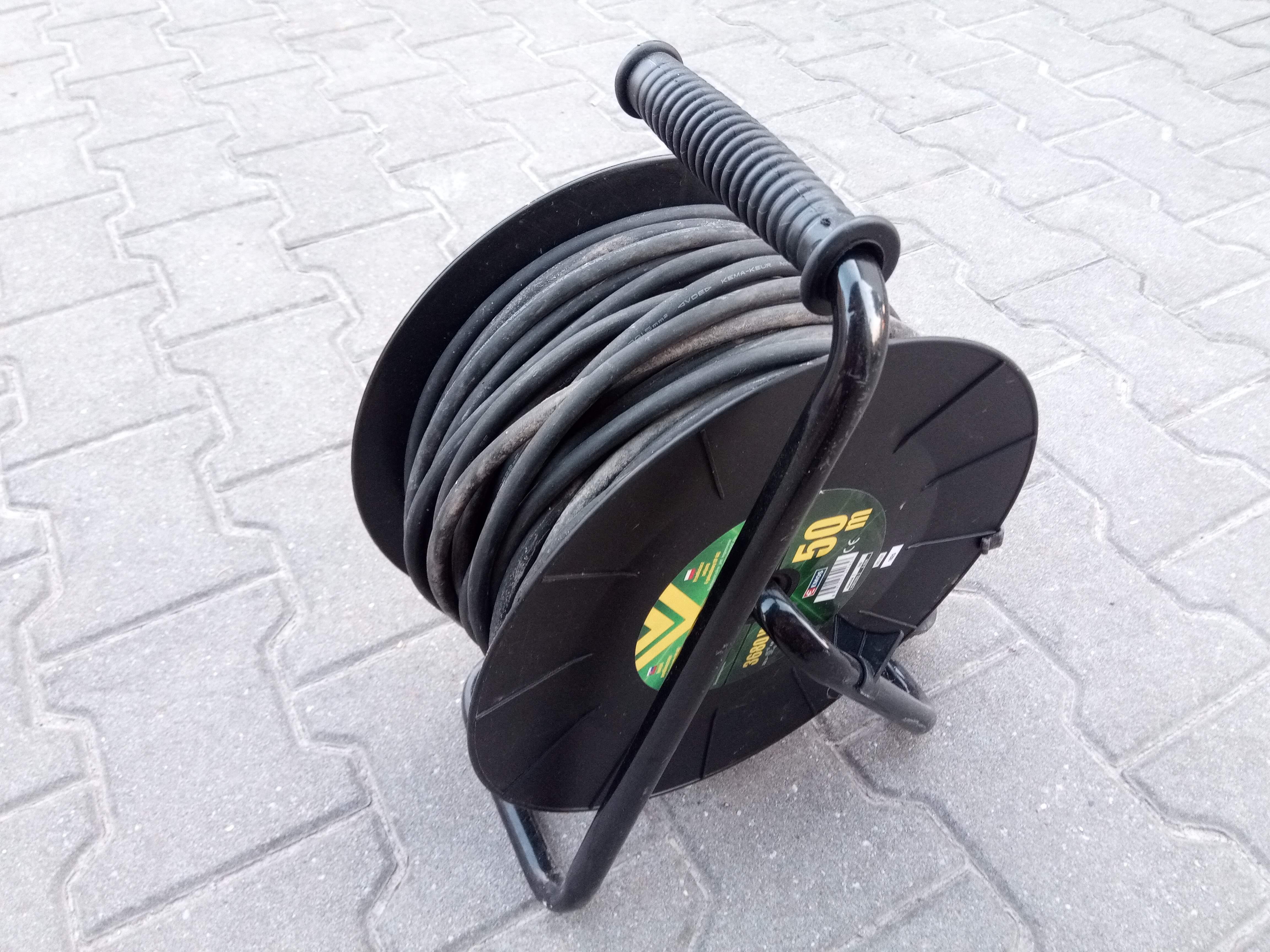 Prodlužovací kabel na bubnu 50m